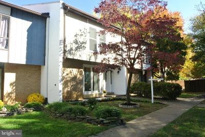 Townhouse For Sale: 7281 Larrup Court