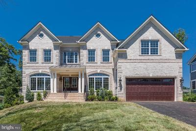 McLean Single Family Home For Sale: 6803 Dean Drive