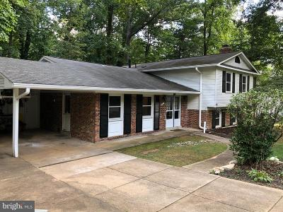Fairfax Single Family Home For Sale: 3221 Amberley Lane