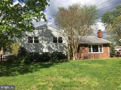 Centreville, Clifton Single Family Home For Sale: 14712 Lock Drive
