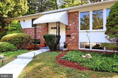 Burke, Springfield Single Family Home For Sale: 8632 Cromwell Drive