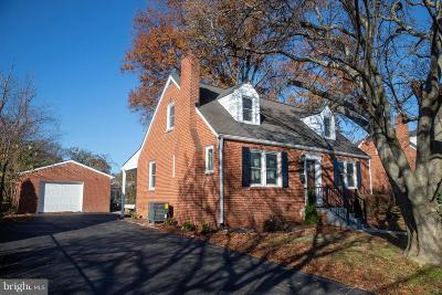 Falls Church Single Family Home For Sale: 2860 Stuart Drive