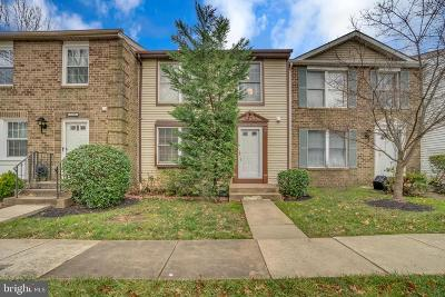 Vienna Townhouse For Sale: 7926 Tyson Oaks Circle