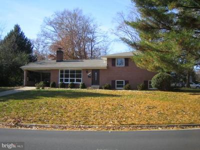 Annandale, Falls Church Single Family Home For Sale: 6131 Beachway
