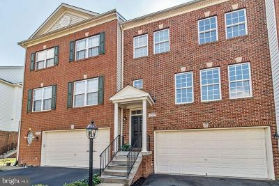 Fairfax Townhouse For Sale: 12585 Royal Wolf Place
