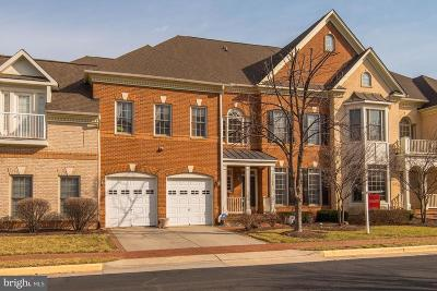 Fairfax, Fairfax Station Townhouse For Sale: 12714 Lady Somerset Lane