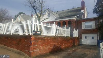 Alexandria Single Family Home For Sale: 2810 E Side Drive