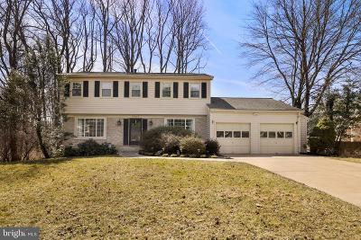 Fairfax, Fairfax Station Single Family Home For Sale: 9909 Barnsbury Court