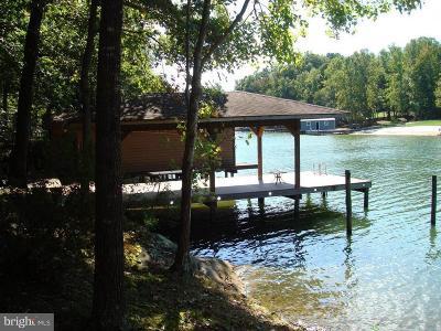 Louisa County Single Family Home For Sale: 465 Poplar Pass