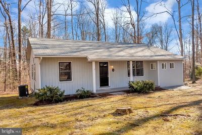 Louisa County Single Family Home For Sale: 85 Thelma Lane