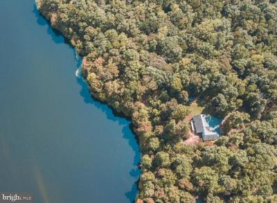 Louisa County Single Family Home For Sale: 882 Shady Lane