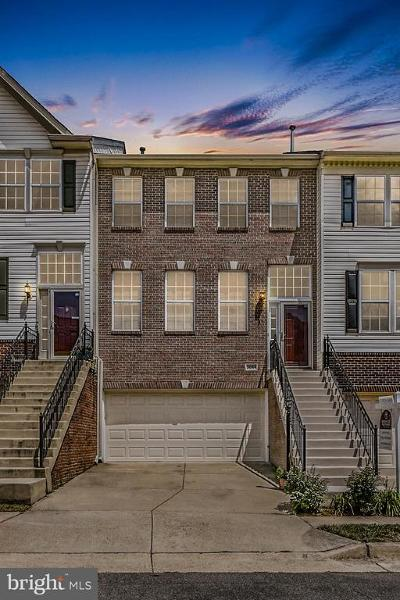 Ashburn Townhouse For Sale: 21054 Roaming Shores Terrace