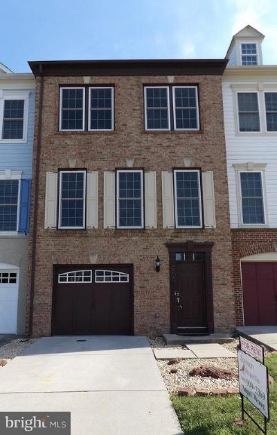 Leesburg Townhouse For Sale: 221 Great Laurel Square SE