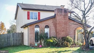 Sterling Single Family Home For Sale: 408 Hummer Court
