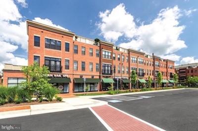 Leesburg Condo For Sale: 412/416 Madison Trade Plaza SE