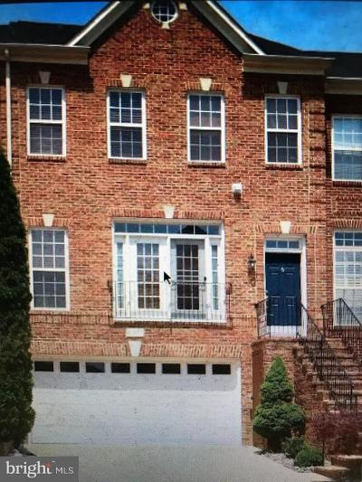 Loudoun County Townhouse For Sale: 21867 Hawksbury Terrace