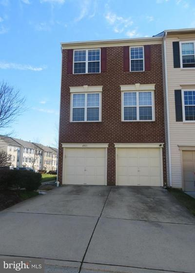 Sterling Townhouse For Sale: 45513 Trail Run Terrace