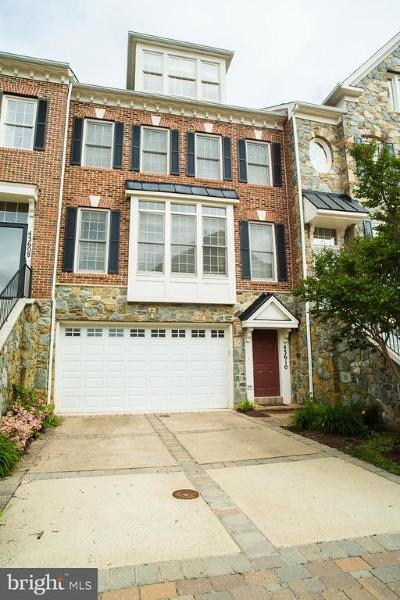 Leesburg Townhouse For Sale: 43610 Beaver Creek Terrace