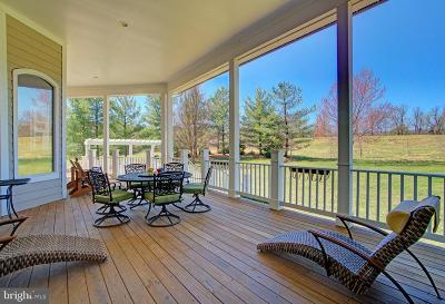 Round Hill Single Family Home For Sale: 17811 Stoneleigh Drive