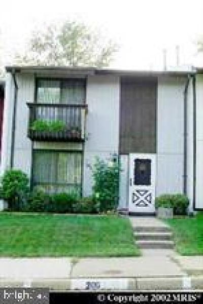 Sterling VA Townhouse For Sale: $330,000