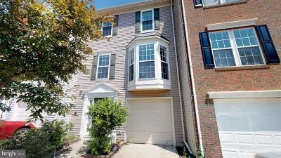 Chantilly Townhouse Under Contract: 25482 Exart Terrace