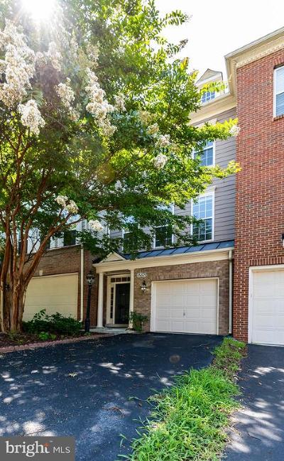 Leesburg Townhouse For Sale: 43809 Lees Mill Square