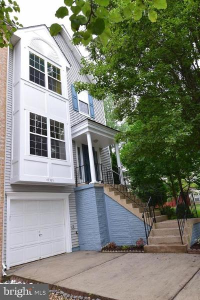 Sterling Townhouse For Sale: 47395 Darkhollow Falls Terrace