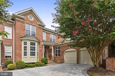 Leesburg Townhouse For Sale: 18428 Lanier Island Square