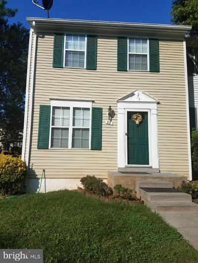 Sterling Townhouse Active Under Contract: 32 Benton Court