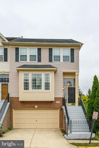 Ashburn Townhouse For Sale: 21068 Roaming Shores Terrace