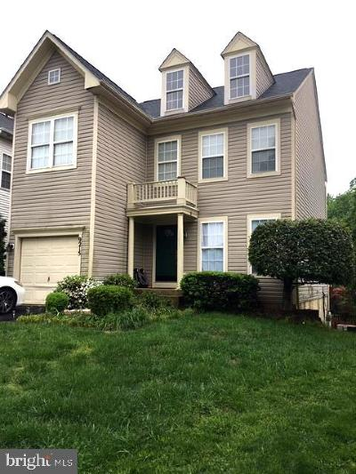 Manassas Park Single Family Home For Sale: 9215 Greenshire Drive