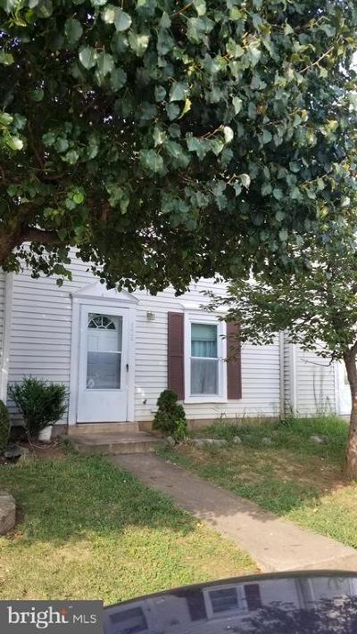 Manassas Park Townhouse For Sale: 8648 Sumter Court