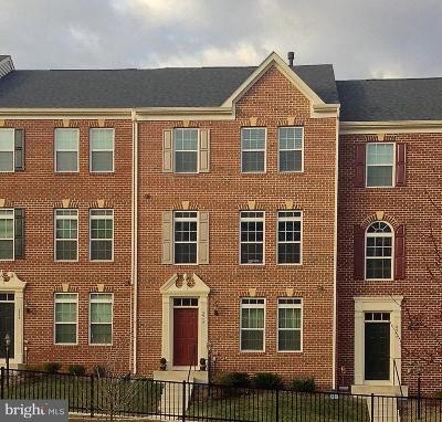 Woodbridge VA Townhouse Active Under Contract: $350,000