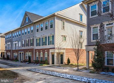 Woodbridge VA Condo For Sale: $310,000