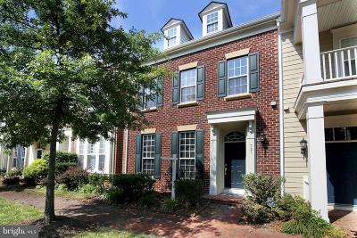 Prince William County Townhouse For Sale: 721 Belmont Bay Drive