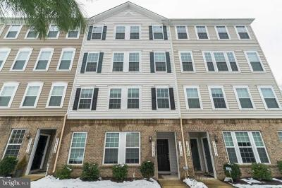 Woodbridge VA Condo For Sale: $269,000