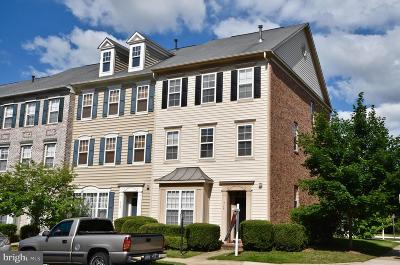 Prince William County Townhouse For Sale: 9146 Ribbon Falls Loop