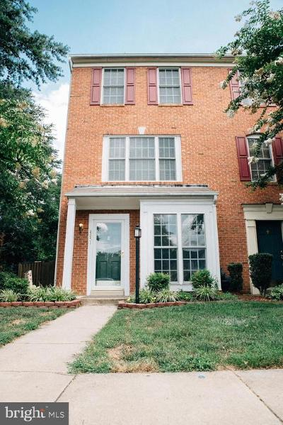 Bristow Townhouse For Sale: 8851 Benchmark Lane