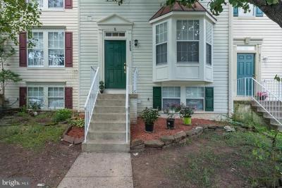 Manassas Townhouse For Sale: 8235 Vermont Place