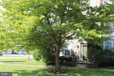 Woodbridge Townhouse For Sale: 740 Collington Court