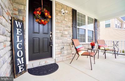 Woodbridge VA Single Family Home For Sale: $565,000