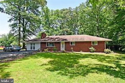 Triangle Single Family Home For Sale: 18301 Cabin Road