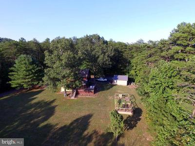 Rappahannock County Single Family Home For Sale: 99 Poplar Hollow Lane