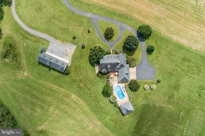 Shenandoah County Single Family Home For Sale: 141 Middle Brook Lane
