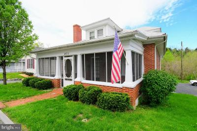 Strasburg Single Family Home For Sale: 471 N Massanutten Street
