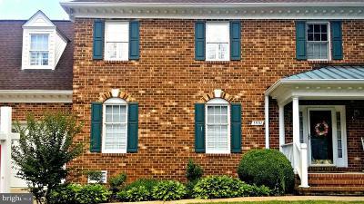 Fredericksburg Townhouse For Sale: 3902 Corbin Hall Lane