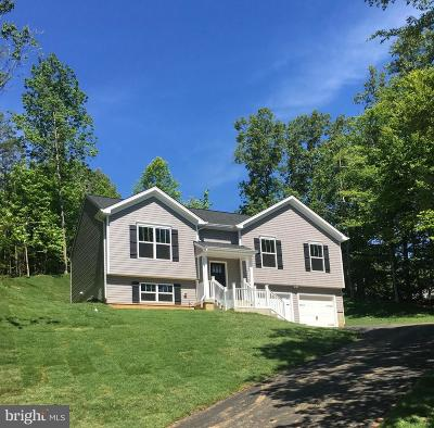 Fredericksburg Single Family Home For Sale: 13 Greenland Court
