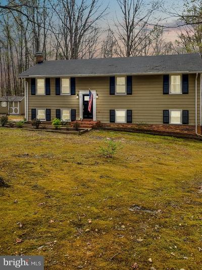 Stafford Single Family Home For Sale: 26 Woodbourne Lane