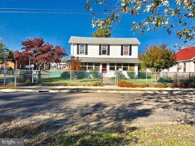 Colonial Beach Single Family Home For Sale: 421 Livingstone Street