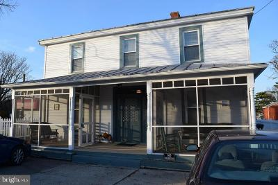 Caroline County, Culpeper County, Essex County, Fredericksburg City, Hanover County, King George County, Northumberland County, Richmond County, Spotsylvania County, Stafford County, Westmoreland County Rental For Rent: 125 Wilder Avenue #3